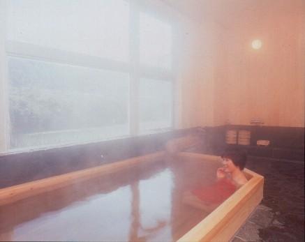 桧造りの温泉